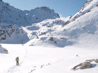 Raid à skis dans les Encantats