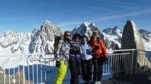 """A l'aiguille du Midi : une """"girl team"""" au top, prête pour la Vallée blanche !!"""