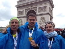 """L'équipe de Couleur Corse """"médaillée"""" à l'arrivée du marathon"""