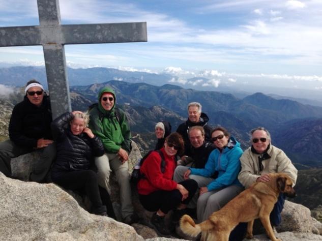 Le groupe au sommet du Monte Renosu