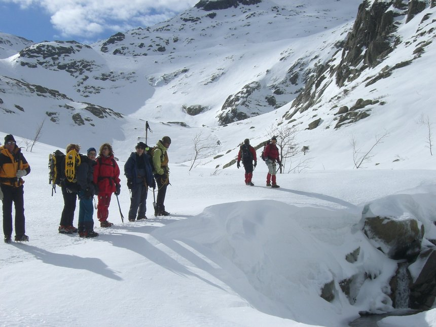 Formation montagne hivernale dans la Restonica